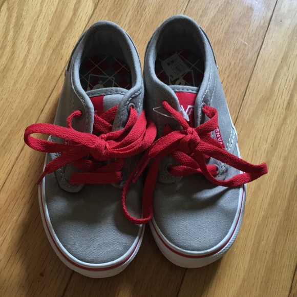 fb9a60deed5a47 Light grey Vans red laces new boys